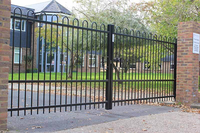Bow Top Metal Fencing