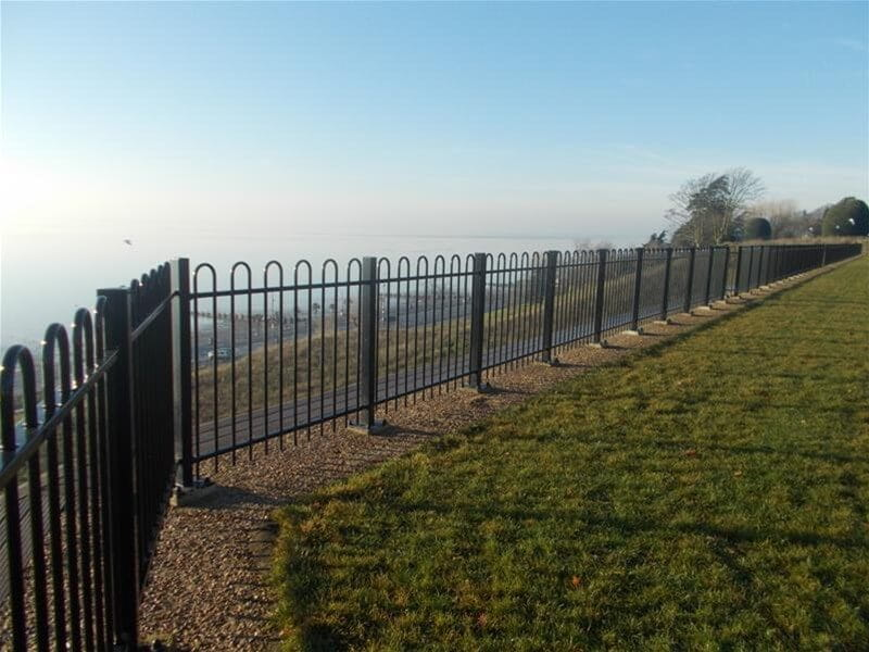 Base plated Bow top fencing on cliff