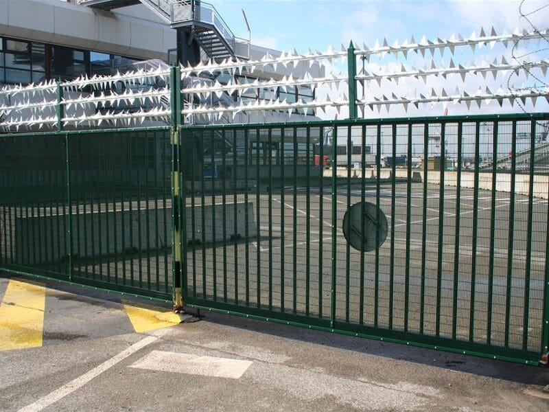 Sentry security gate with welded mesh panels and rota spike