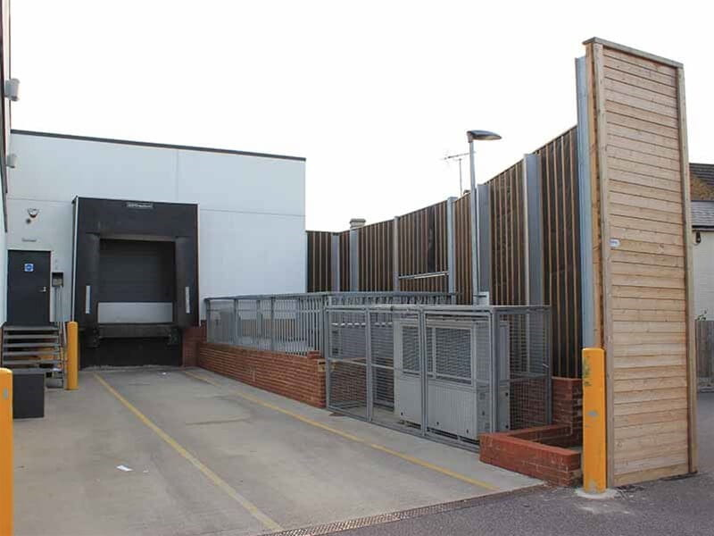 Acoustic fencing supermarket