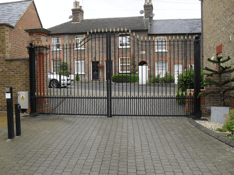 Double Leaf Steel Ornamental Gate
