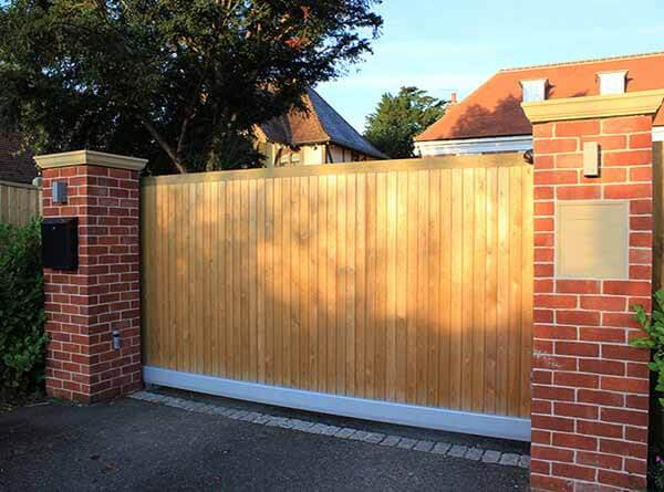 Timber sliding gate 1
