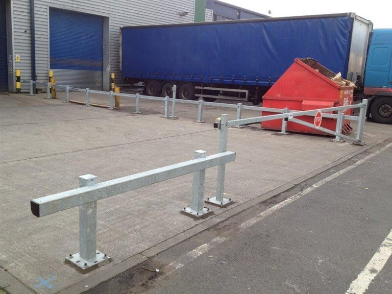 Sentry Crash barrier with warden barrier