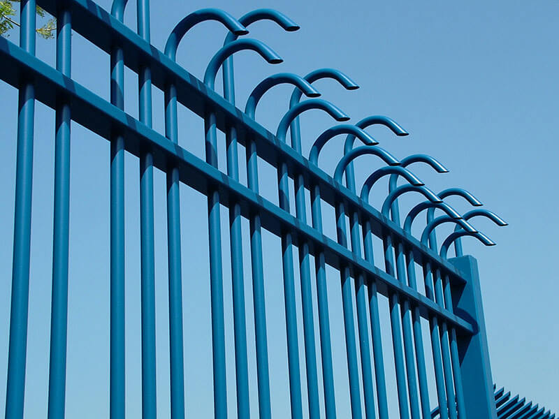 Anti climb security fencing