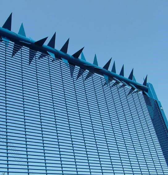 Securi 358 Mesh with Rota Spike Topping