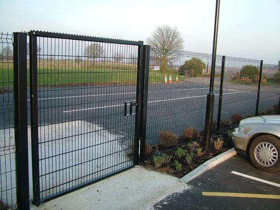 EuroGuard® Regular V Mesh Single Leaf Gate RAL Black