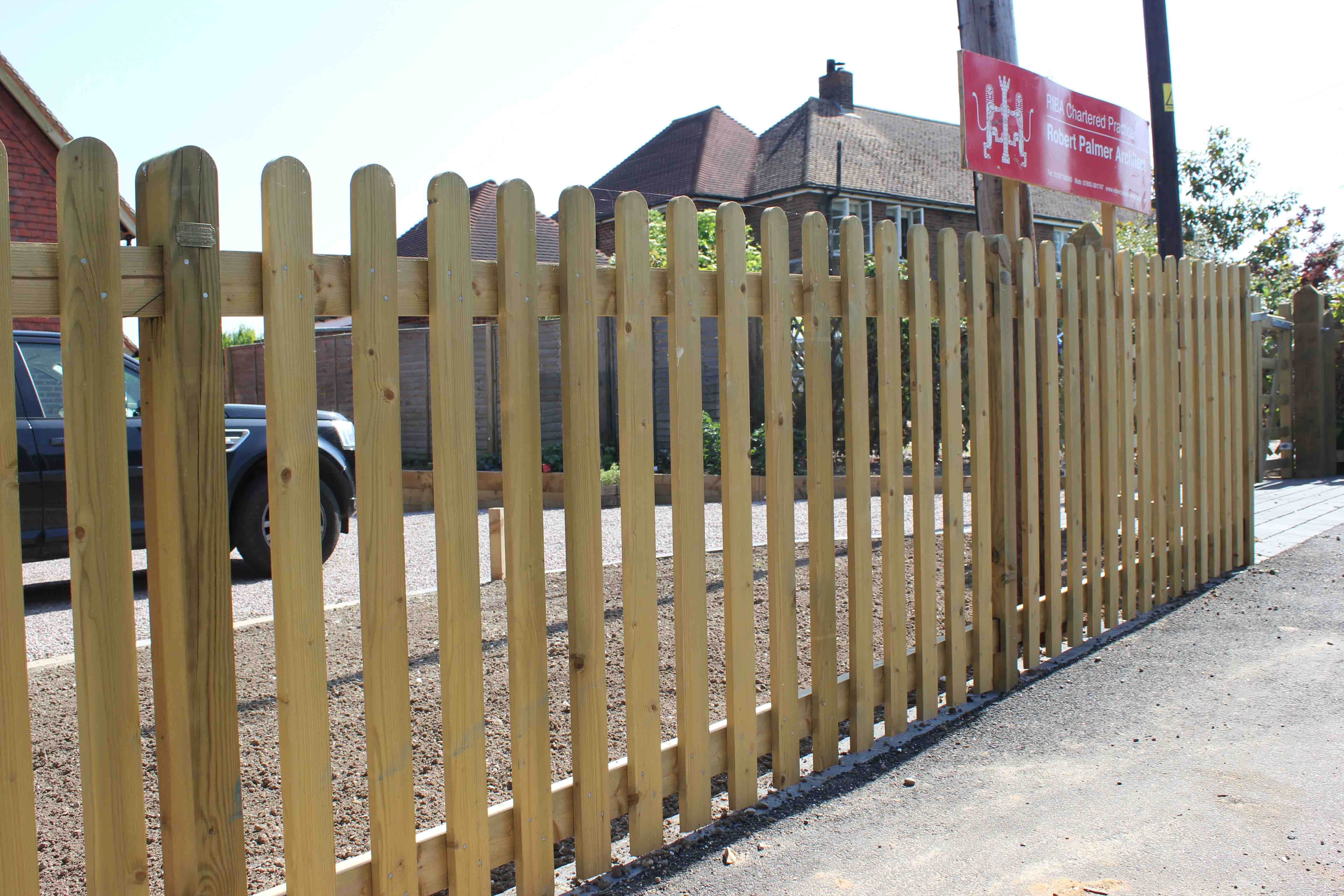 Commercial palisade fencing timber
